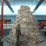 L'impressionnante tour de livres de Jakob Gautel