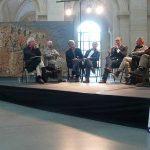 Conférence dans le grand atrium du Palais des Beaux-Arts
